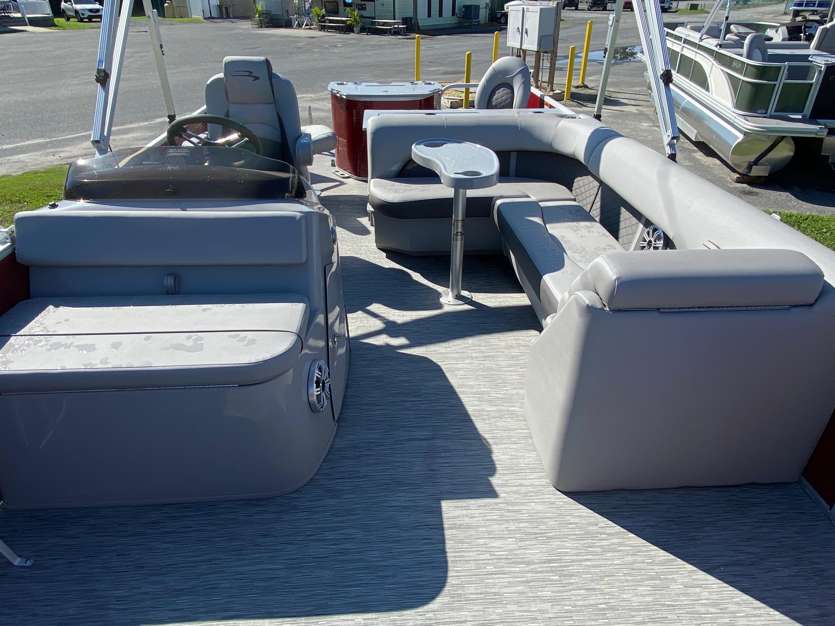 2020 Bennington boat for sale, model of the boat is 22 SFXAPGP - Dual Stern Gates & Image # 3 of 12