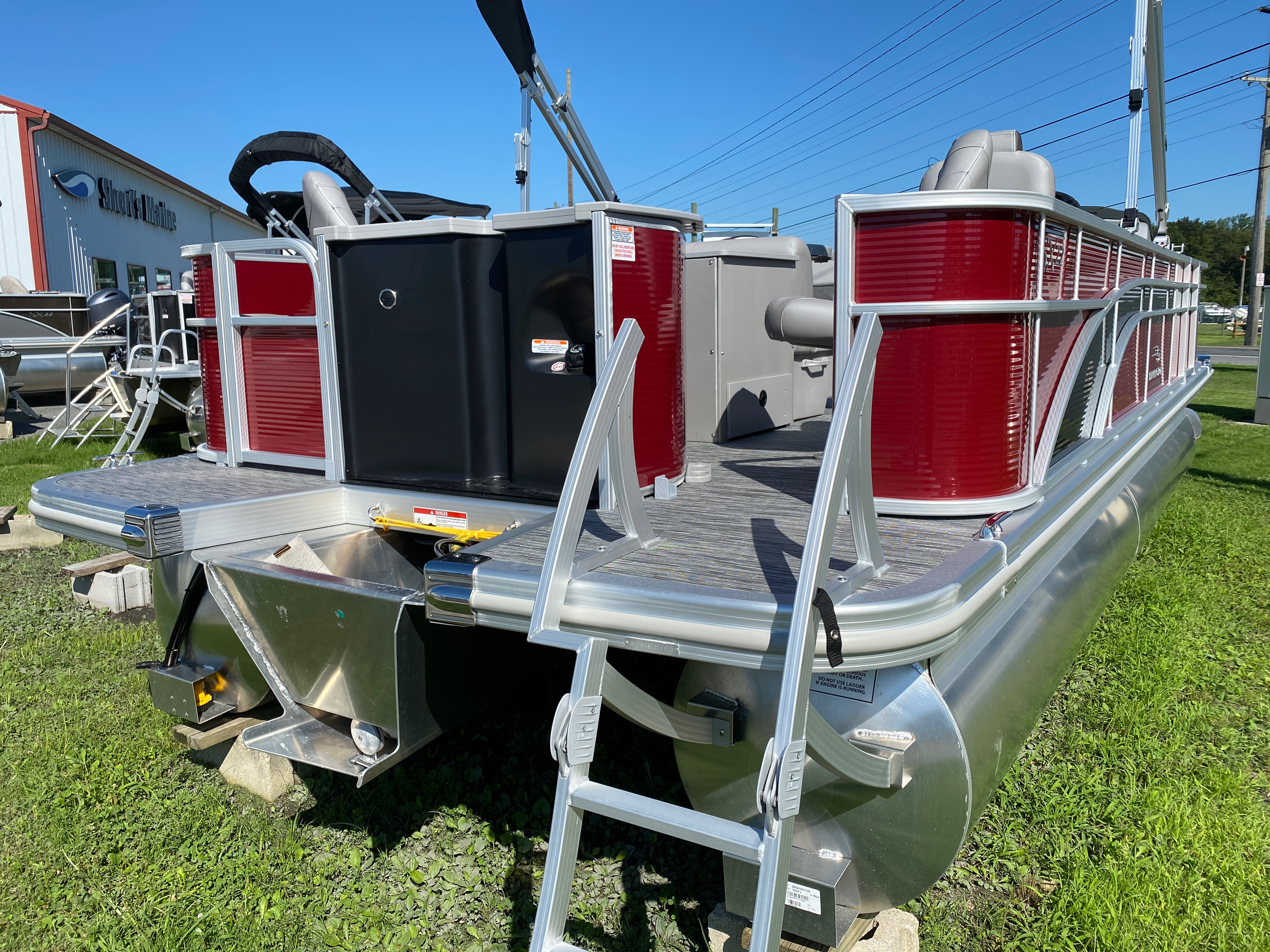 2020 Bennington boat for sale, model of the boat is 22 SFXAPGP - Dual Stern Gates & Image # 6 of 12