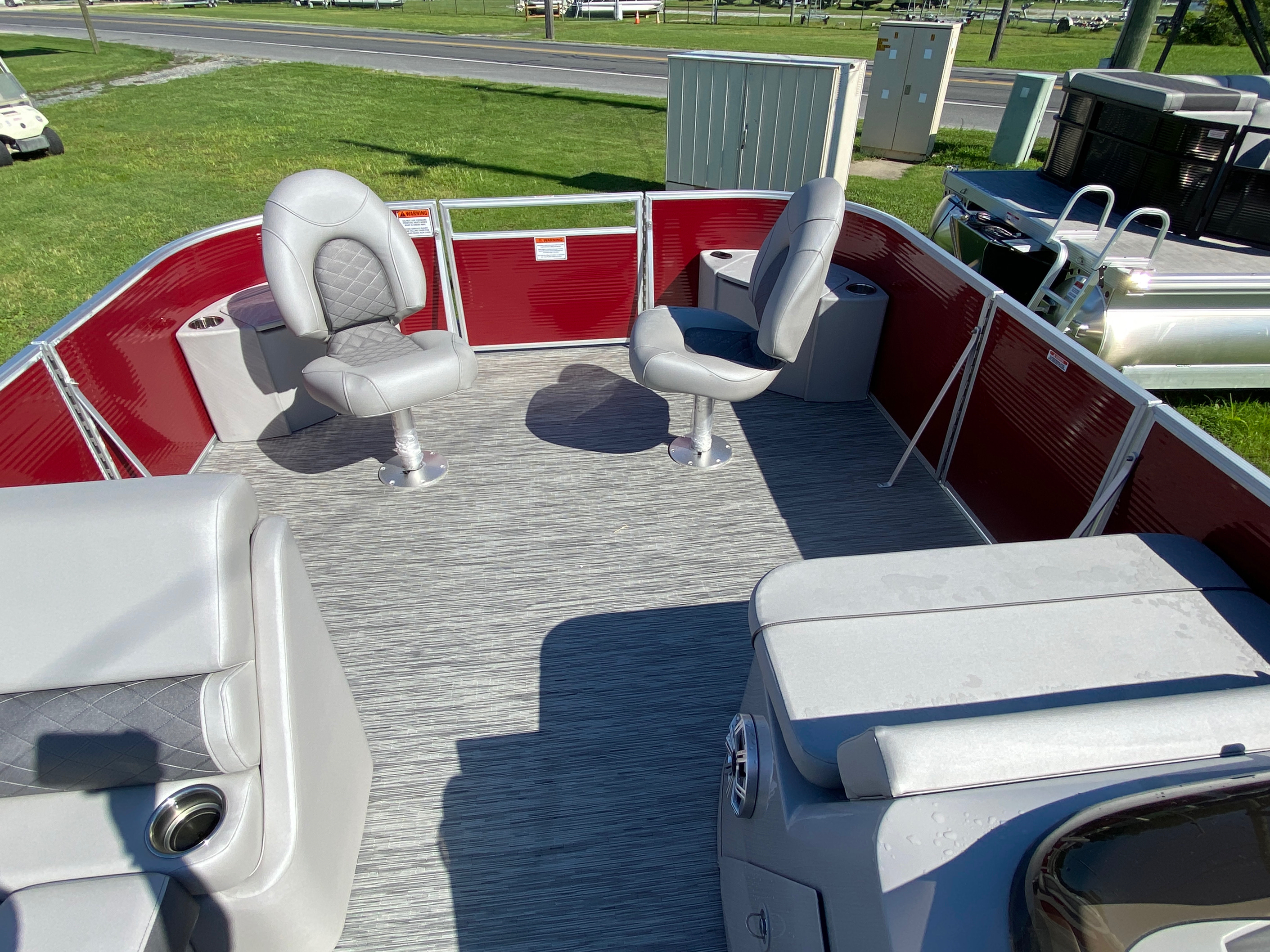 2020 Bennington boat for sale, model of the boat is 22 SFXAPGP - Dual Stern Gates & Image # 8 of 12