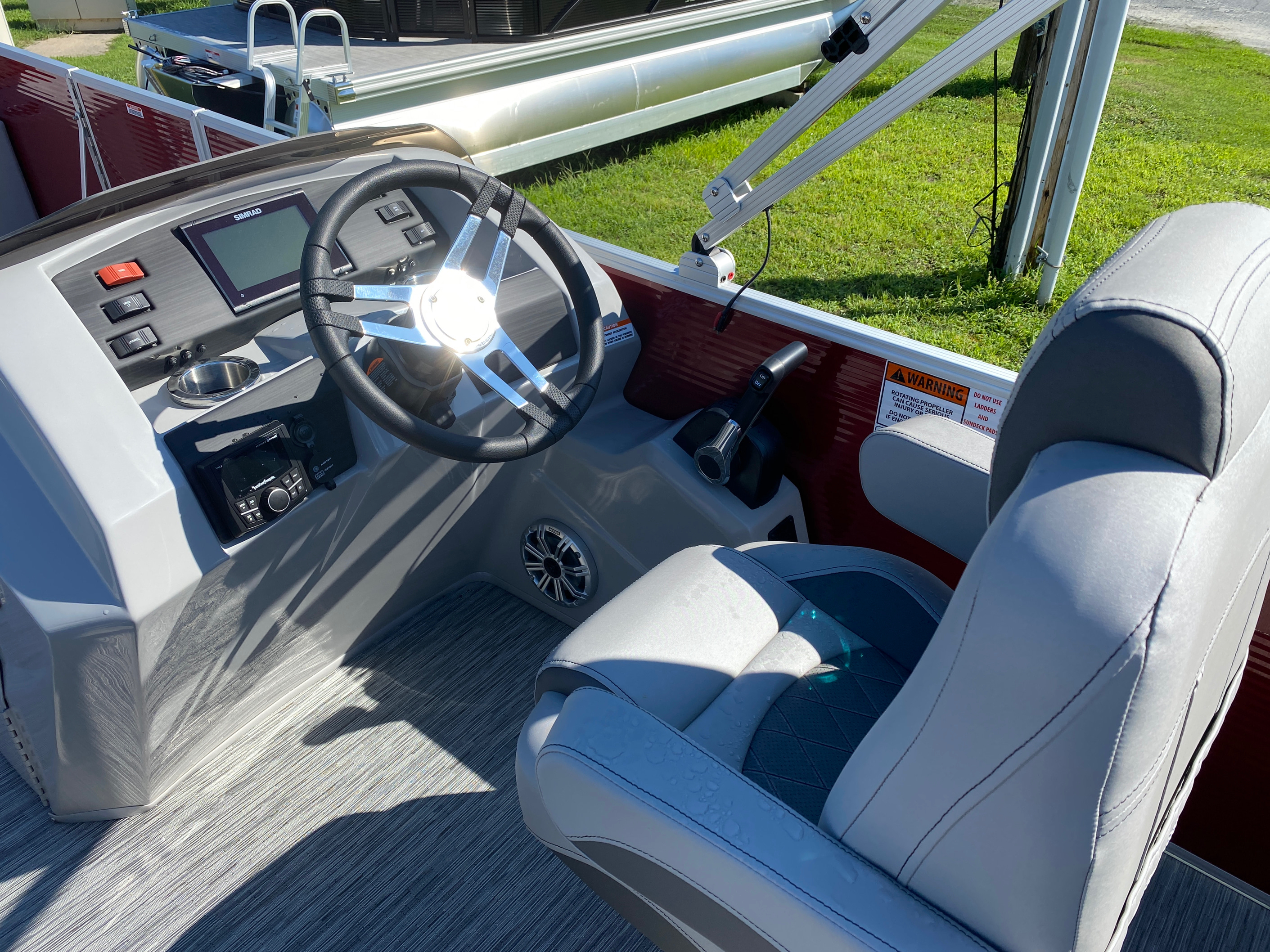 2020 Bennington boat for sale, model of the boat is 22 SFXAPGP - Dual Stern Gates & Image # 10 of 12