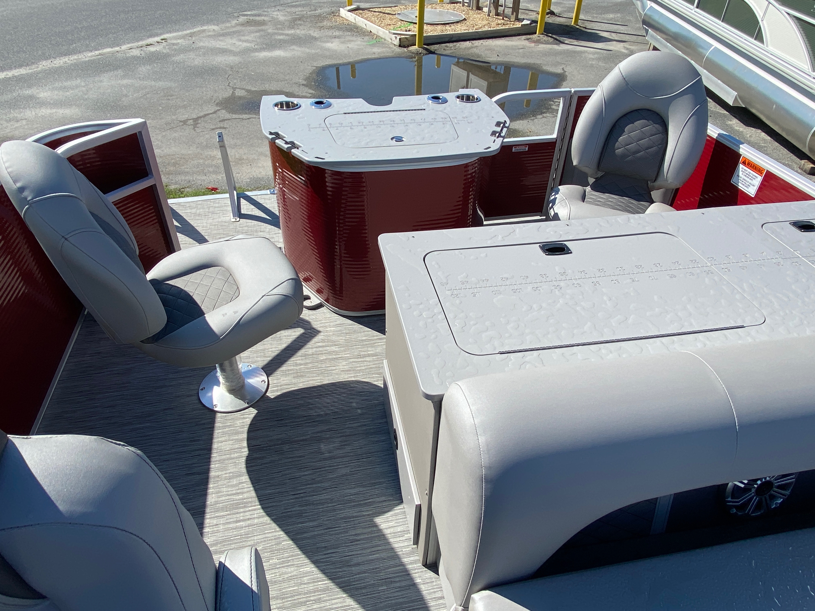 2020 Bennington boat for sale, model of the boat is 22 SFXAPGP - Dual Stern Gates & Image # 11 of 12