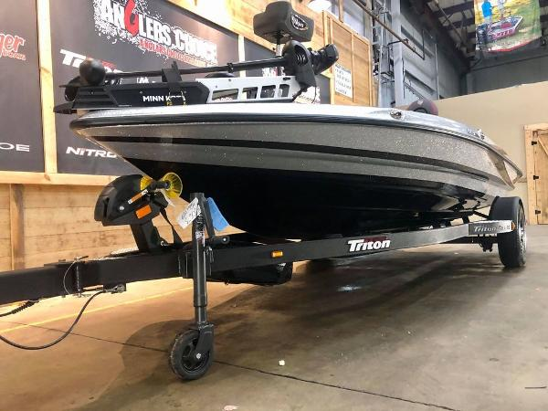 2021 Triton boat for sale, model of the boat is 189 TRX & Image # 3 of 18