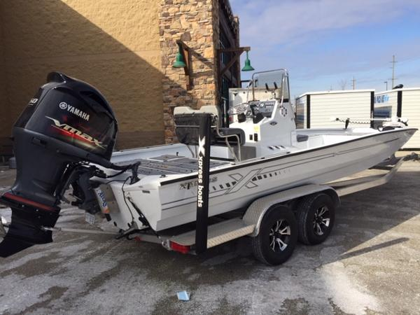 2020 Alumaweld boat for sale, model of the boat is Xpress H24B & Image # 1 of 9