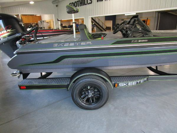 2021 Skeeter boat for sale, model of the boat is ZX150 & Image # 3 of 39
