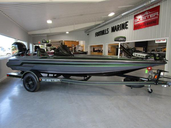 2021 Skeeter boat for sale, model of the boat is ZX150 & Image # 1 of 39