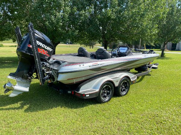2017 Triton boat for sale, model of the boat is 21 TRX & Image # 13 of 27