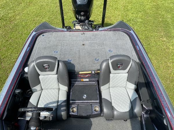 2017 Triton boat for sale, model of the boat is 21 TRX & Image # 18 of 27