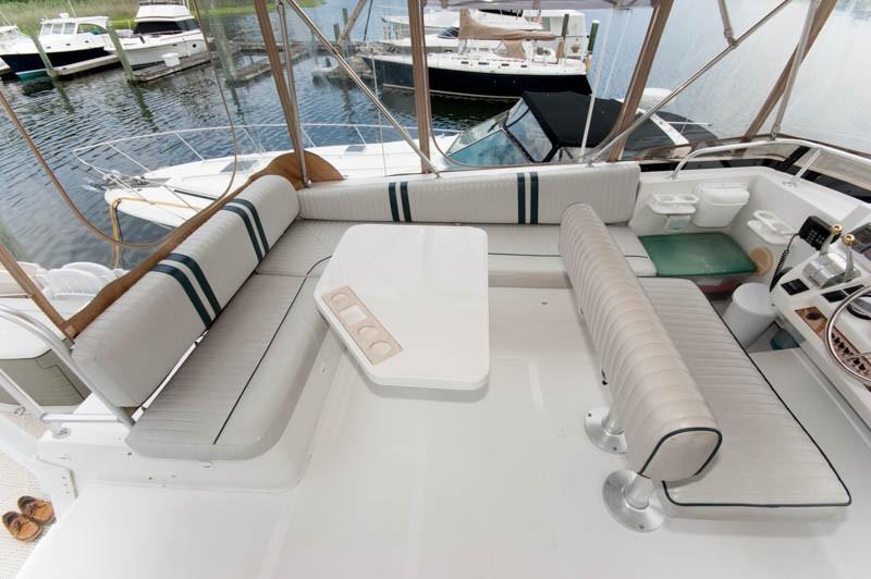 R 5531 RF Knot 10 Yacht Sales