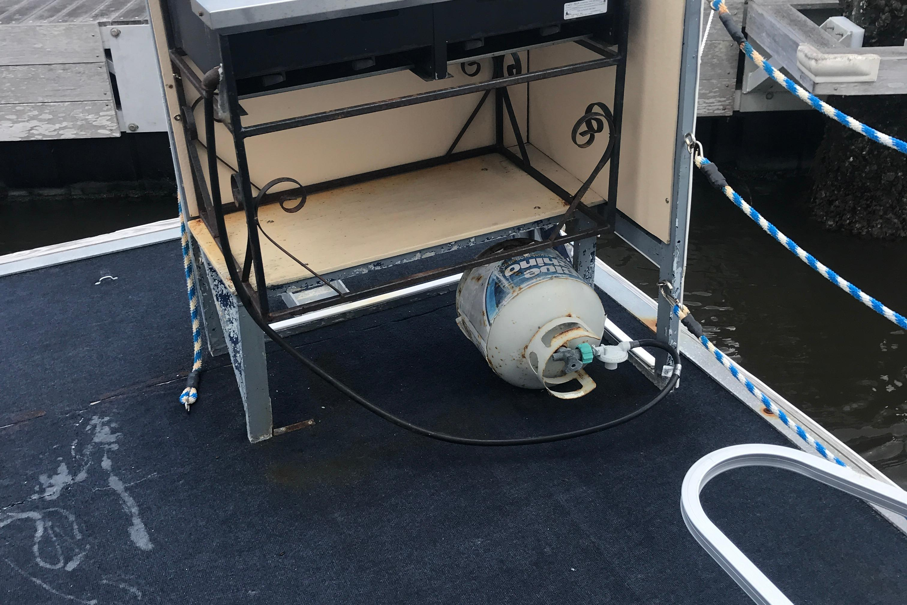 Southern Star 32 Commerical Catamaran - Propane Grill on starboard bow