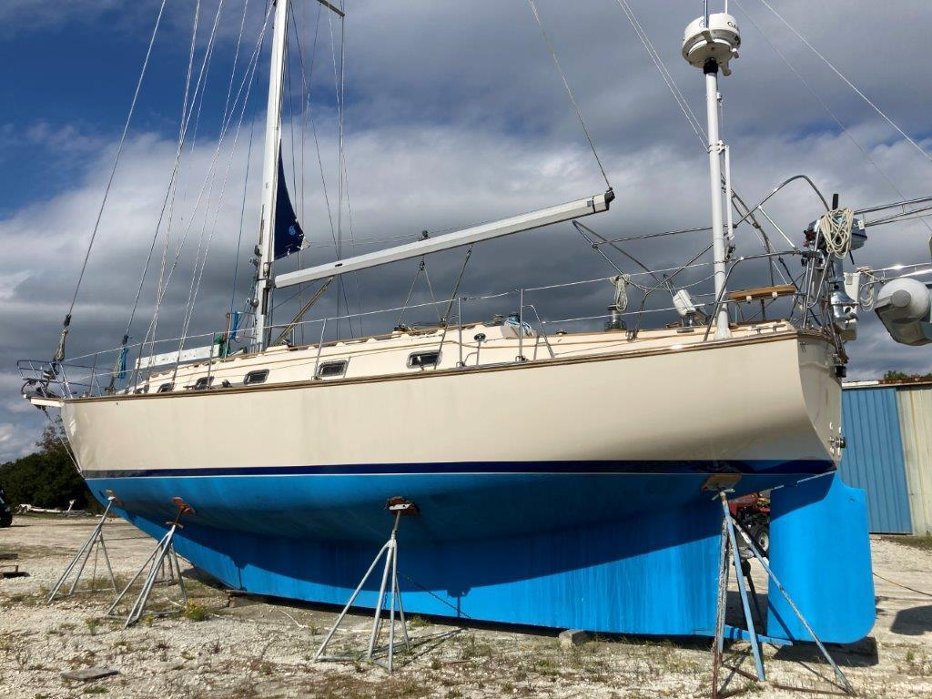 1994 Island Packet 44 in Charleston, SC