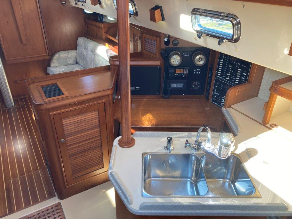 Galley and navigation station to starboard