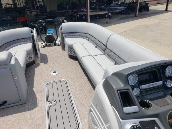 2021 Ranger Boats boat for sale, model of the boat is 223C & Image # 2 of 11