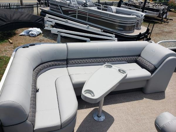 2021 Ranger Boats boat for sale, model of the boat is 223C & Image # 7 of 11