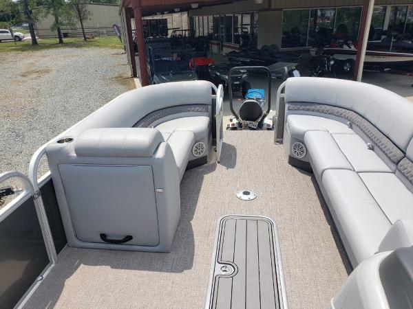2021 Ranger Boats boat for sale, model of the boat is 223C & Image # 8 of 11
