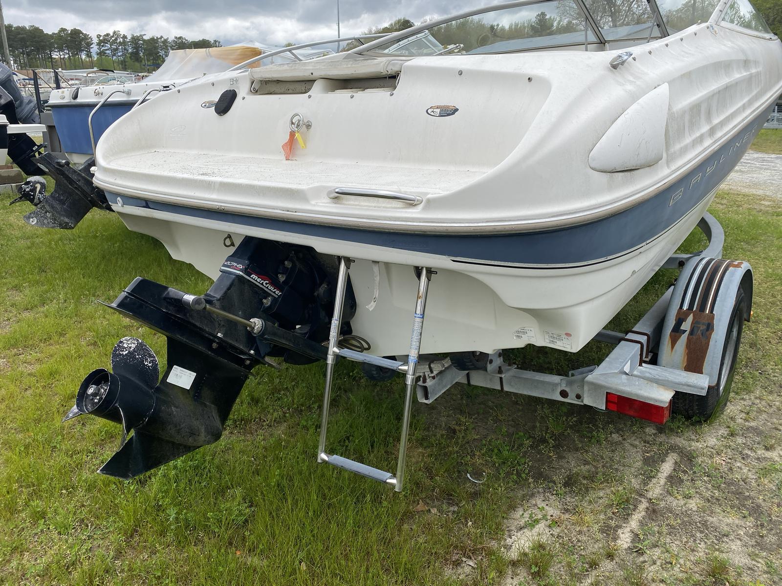 1999 Bayliner boat for sale, model of the boat is 1800LS & Image # 11 of 12