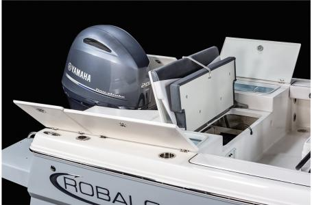 2021 Robalo boat for sale, model of the boat is 226 Cayman & Image # 16 of 18