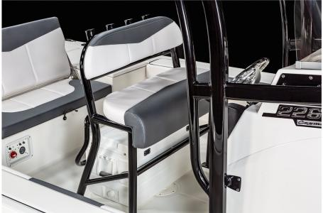 2021 Robalo boat for sale, model of the boat is 226 Cayman & Image # 17 of 18