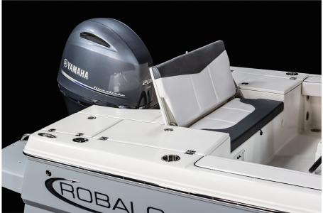 2021 Robalo boat for sale, model of the boat is 226 Cayman & Image # 11 of 18