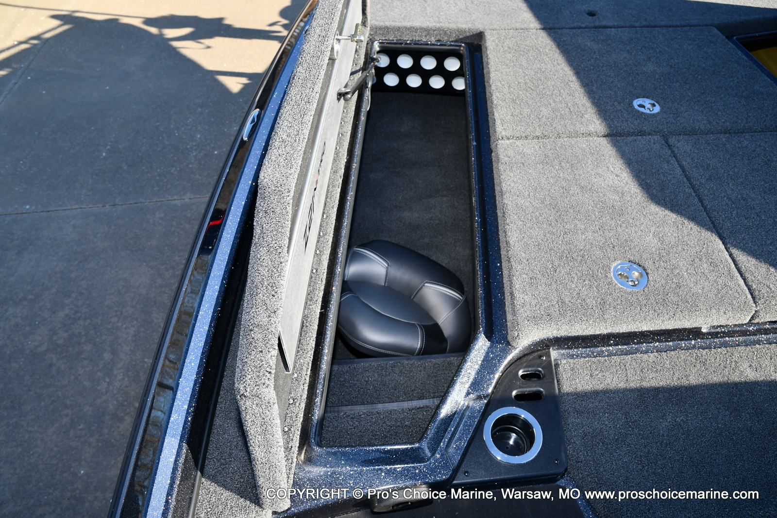 2021 Nitro boat for sale, model of the boat is Z21 Pro Package & Image # 8 of 50