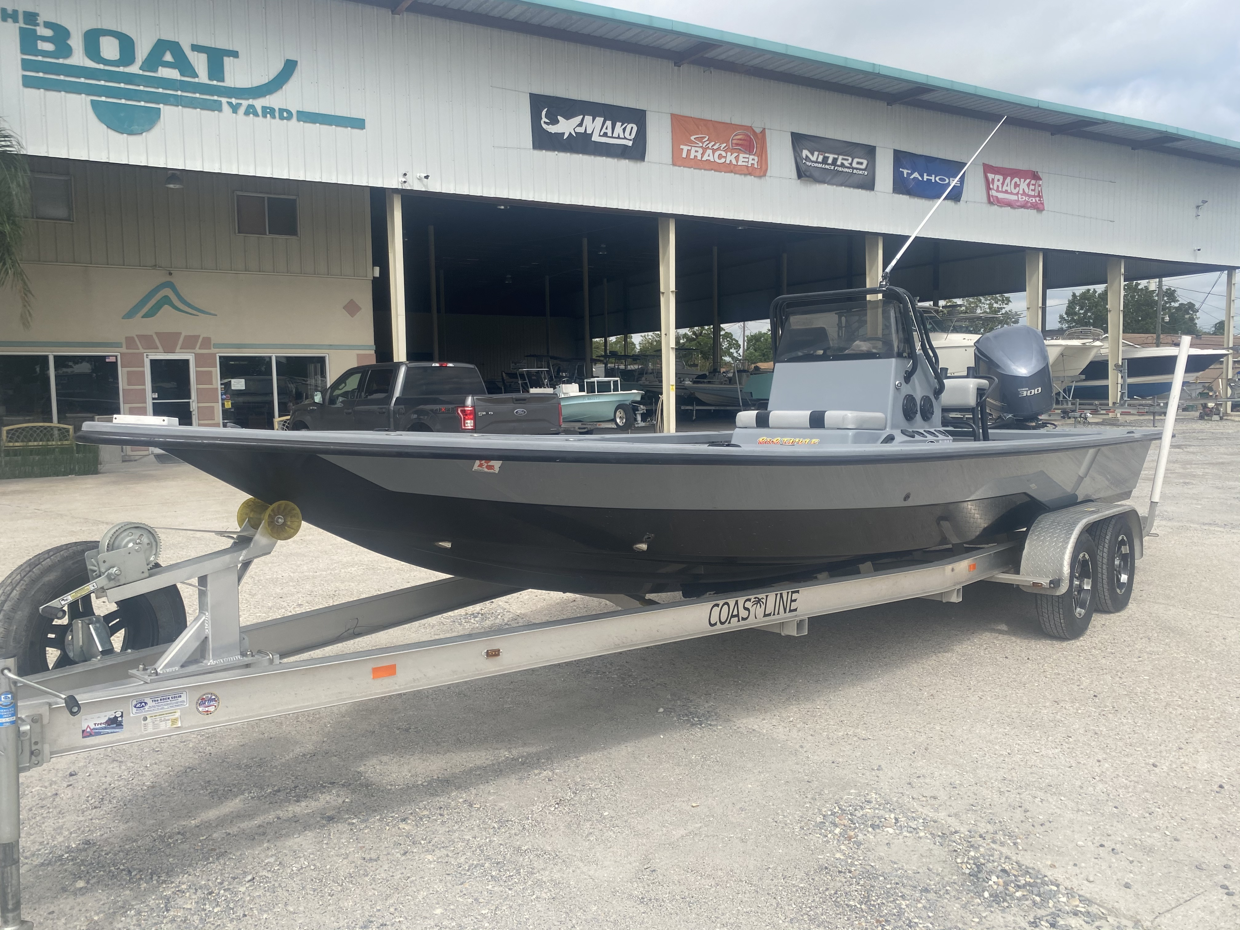 2016 Majek boat for sale, model of the boat is 25 Xtreme & Image # 2 of 16