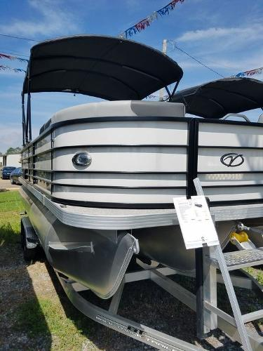 2021 Veranda boat for sale, model of the boat is VR22RC Package Tri-Toon & Image # 16 of 23