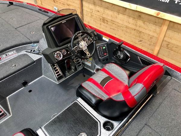 2018 Ranger Boats boat for sale, model of the boat is Z520L & Image # 3 of 10