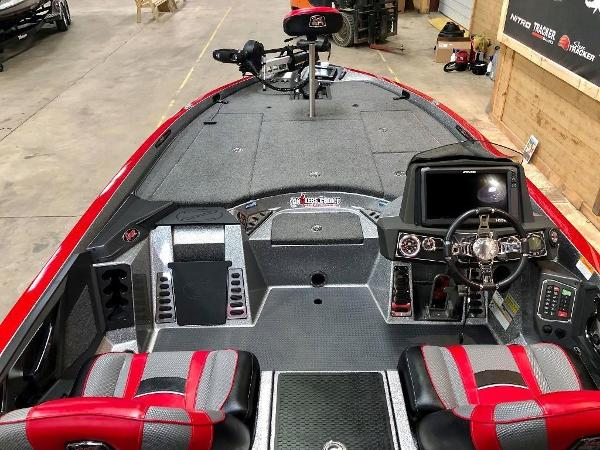 2018 Ranger Boats boat for sale, model of the boat is Z520L & Image # 8 of 10