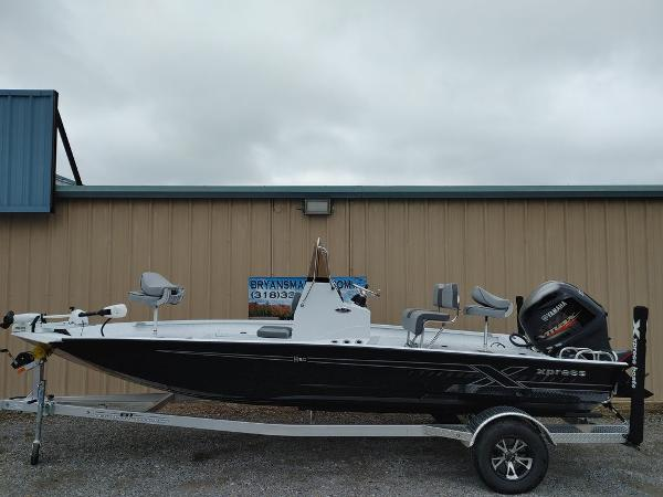 2020 Xpress boat for sale, model of the boat is H20B & Image # 1 of 11