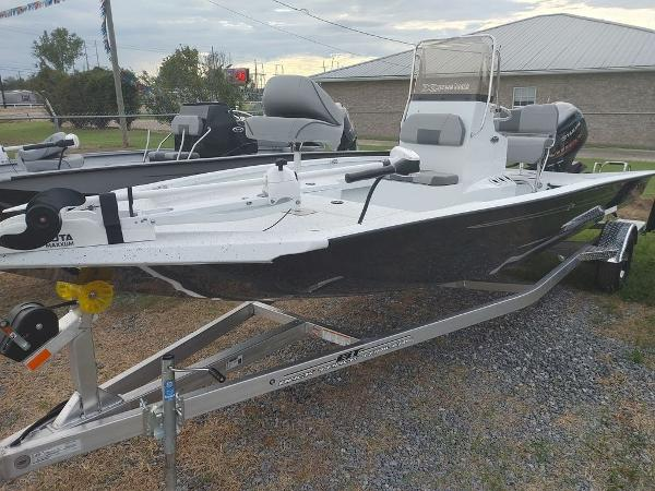 2020 Xpress boat for sale, model of the boat is H20B & Image # 7 of 11