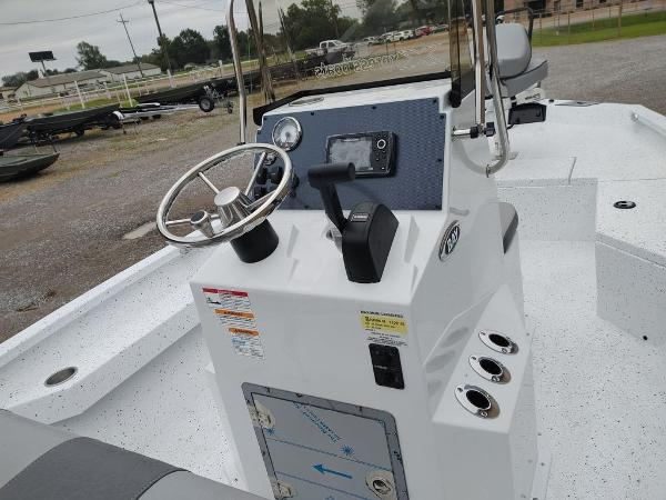 2020 Xpress boat for sale, model of the boat is H20B & Image # 9 of 11