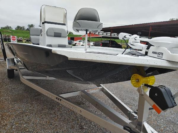 2020 Xpress boat for sale, model of the boat is H20B & Image # 10 of 11