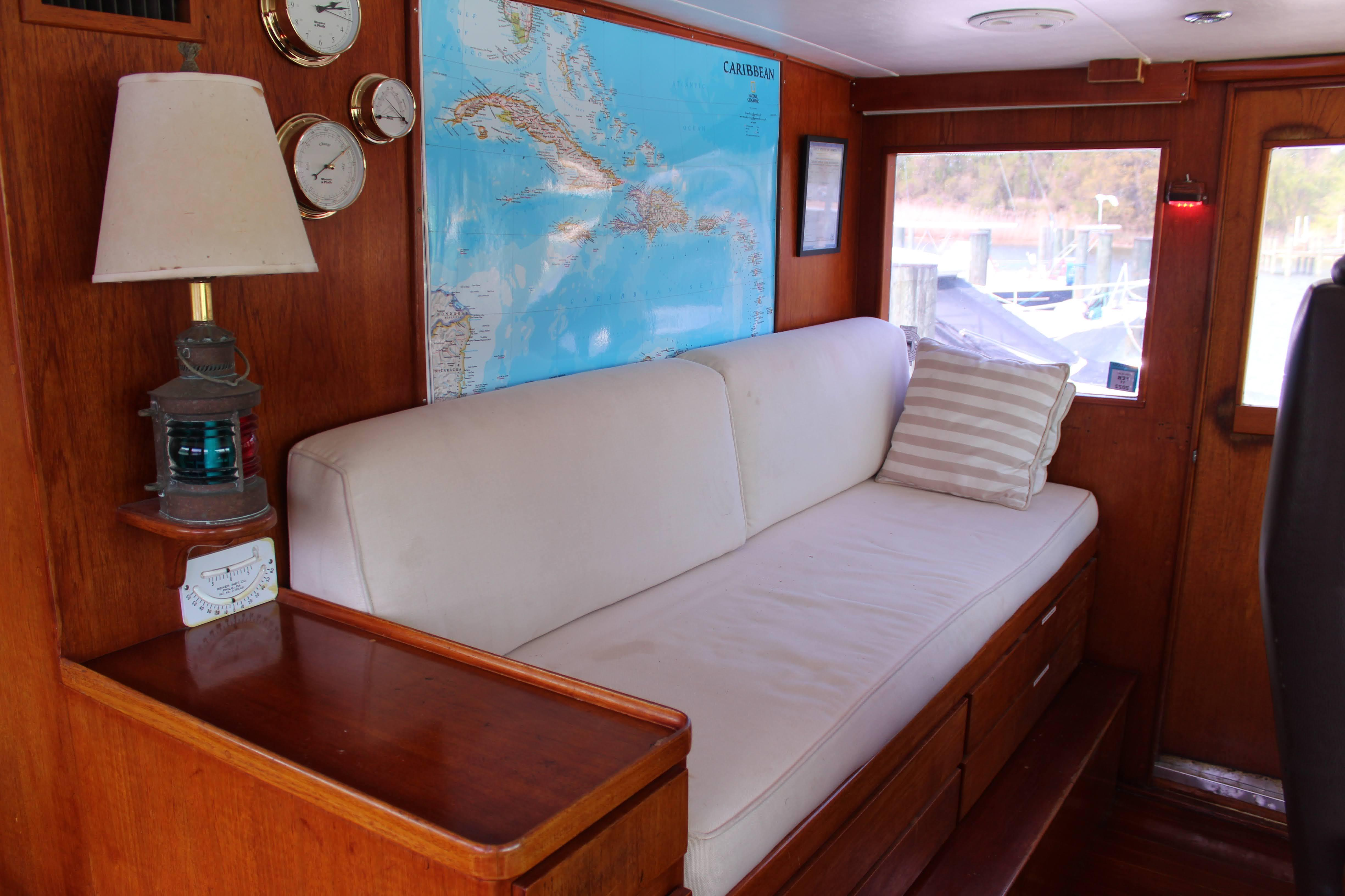 M 6075 RD Knot 10 Yacht Sales