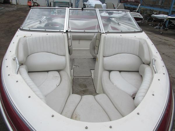 2007 Glastron boat for sale, model of the boat is GXL 185 & Image # 16 of 20