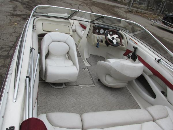 2007 Glastron boat for sale, model of the boat is GXL 185 & Image # 18 of 20