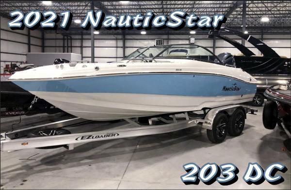 2021 NauticStar 203 DC