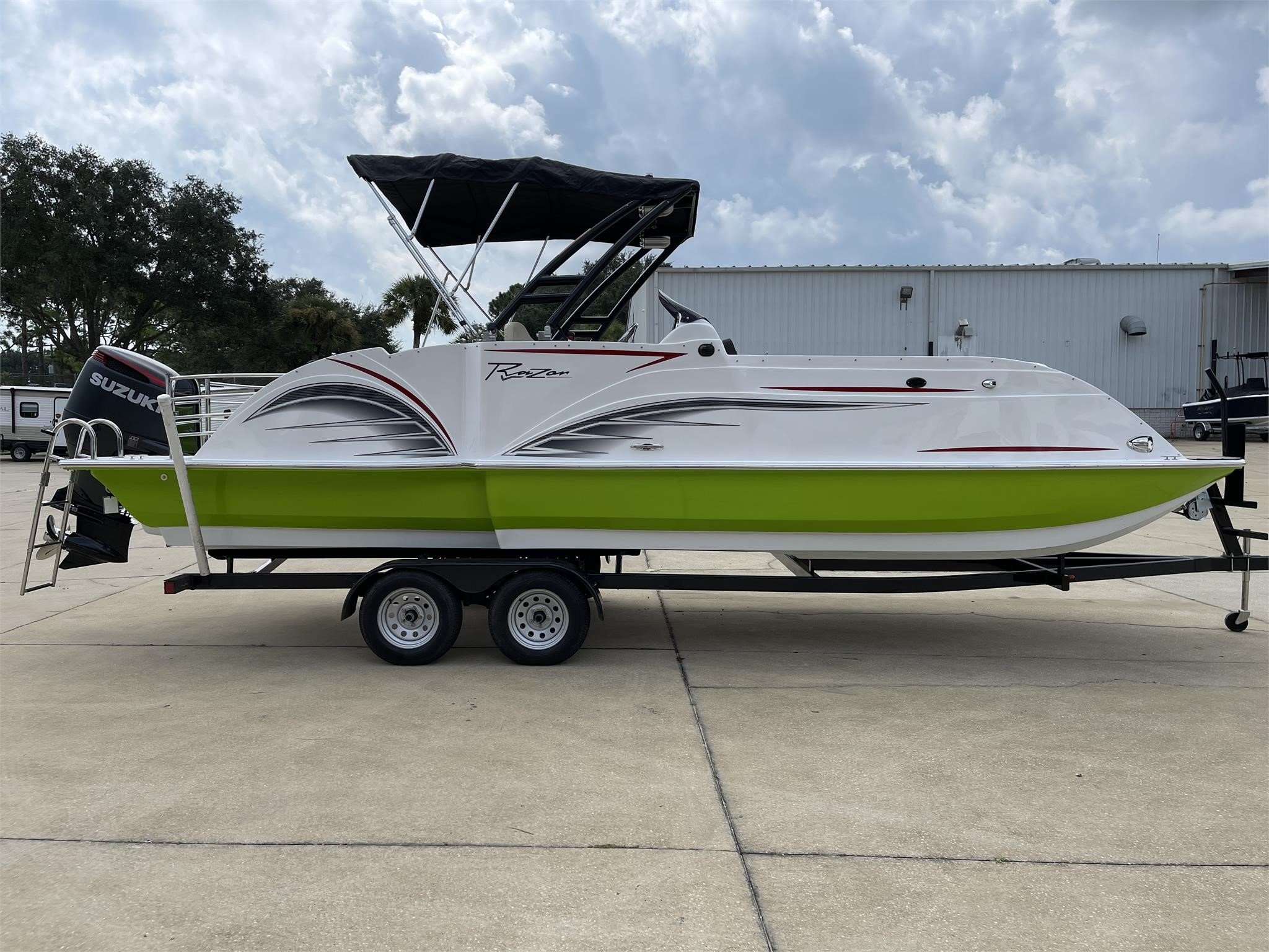 2022 Caravelle boat group RAZOR 251XL UR