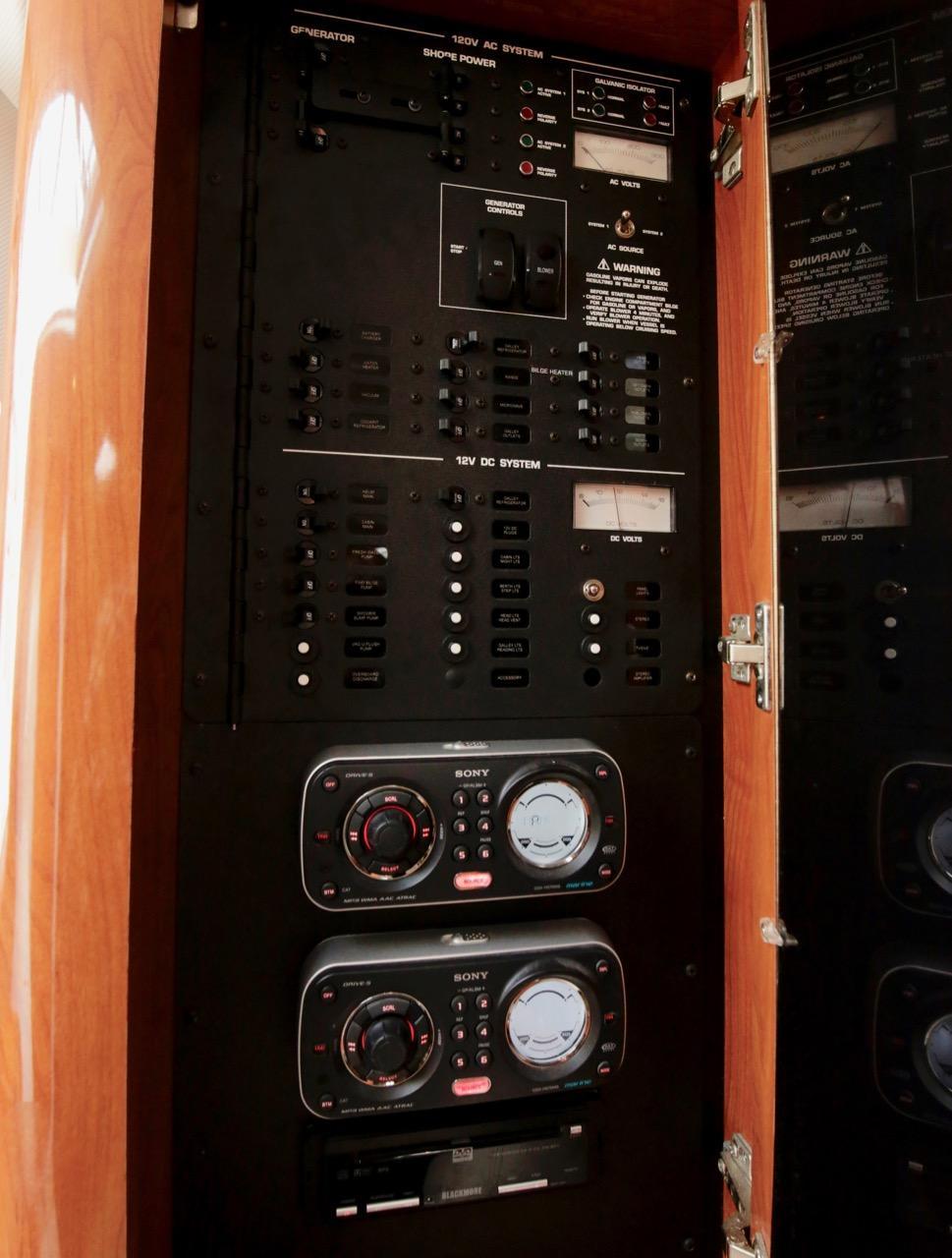 2008 Four Winns V318