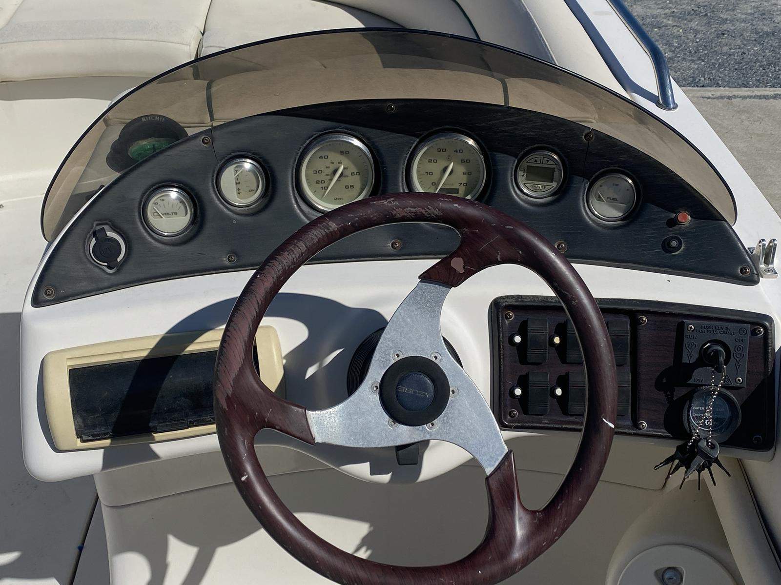 2005 Azure boat for sale, model of the boat is AZ210 & Image # 3 of 13