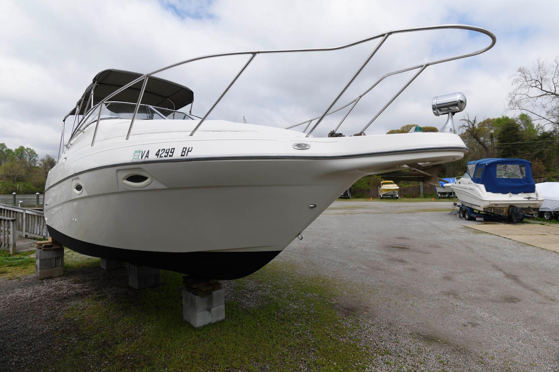 V 6076 WT Knot 10 Yacht Sales