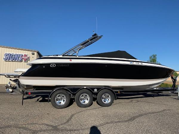 2005 Cobalt boat for sale, model of the boat is 262 & Image # 38 of 41