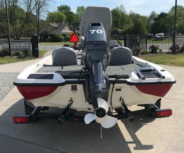 2007 Stratos boat for sale, model of the boat is 176 XT & Image # 2 of 13