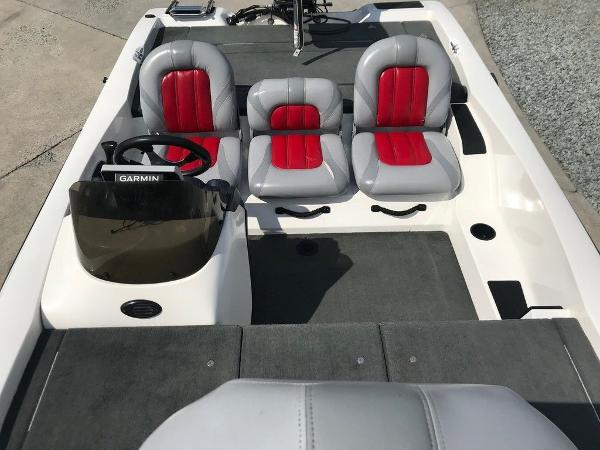 2007 Stratos boat for sale, model of the boat is 176 XT & Image # 4 of 13