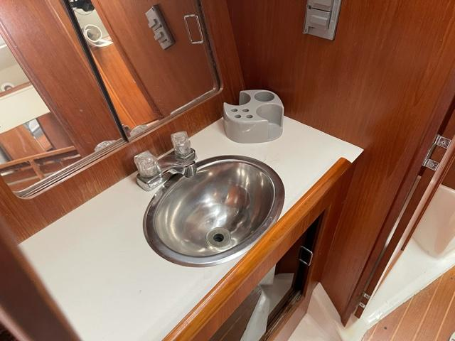M 6051 JB Knot 10 Yacht Sales