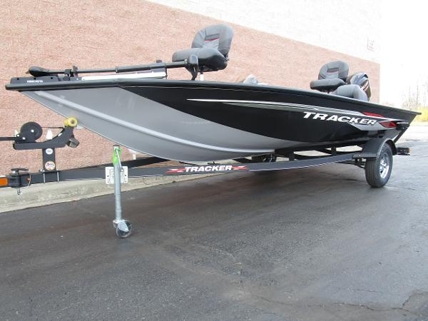 2021 Tracker Boats boat for sale, model of the boat is Pro Team 175 TXW & Image # 3 of 22