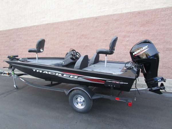 2021 Tracker Boats boat for sale, model of the boat is Pro Team 175 TXW & Image # 4 of 22