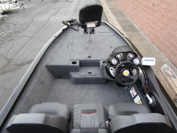 2021 Tracker Boats boat for sale, model of the boat is Pro Team 175 TXW & Image # 9 of 22