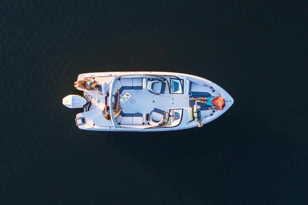 2021 Tahoe boat for sale, model of the boat is 210 S & Image # 14 of 96