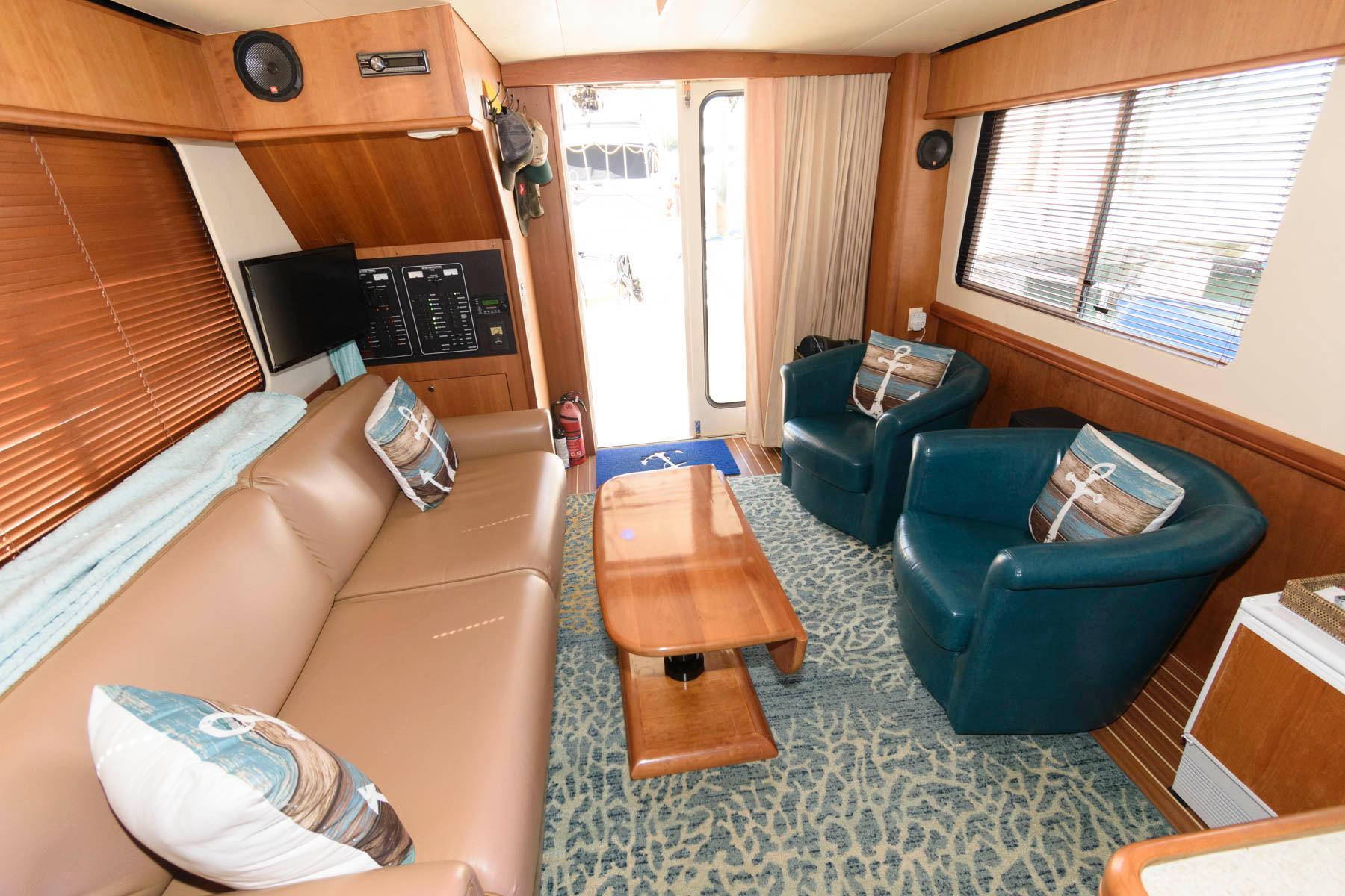 F 5934 RD Knot 10 Yacht Sales