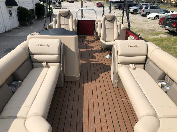 2021 Bentley boat for sale, model of the boat is Elite 253 Admiral & Image # 10 of 32