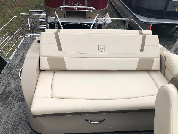 2020 Aqua Patio boat for sale, model of the boat is AP 259 Elite & Image # 27 of 28